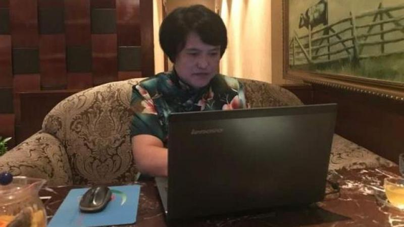 杭州一高校宿管阿姨写200万字小说开美食课走红网络