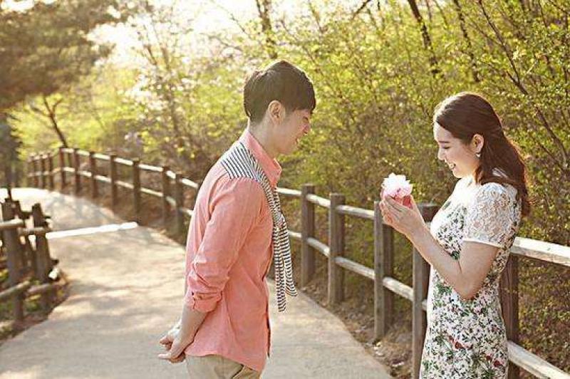 年轻人越来越不愿意结婚,母婴行业如何逆势突围?