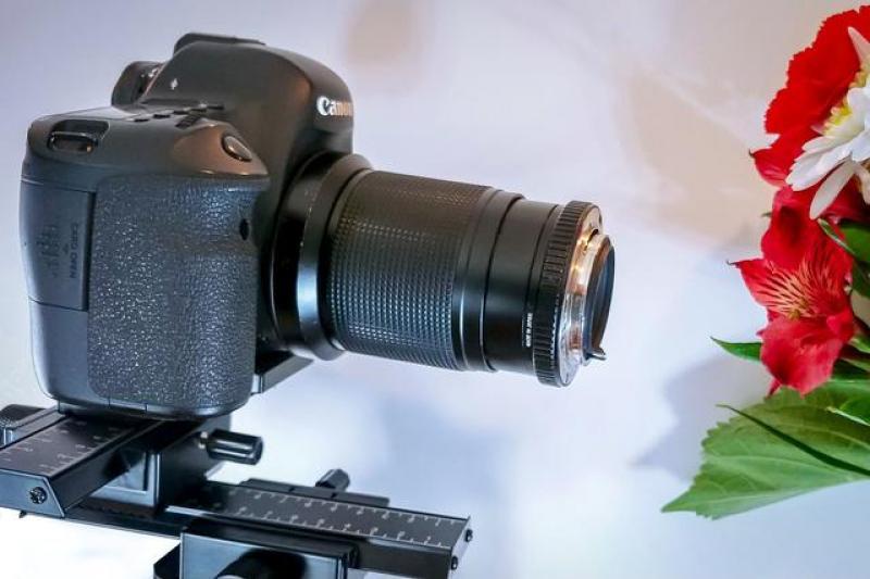 【行业】将50mm定焦镜头反装在相机上,接下来见证奇迹的时刻到了!