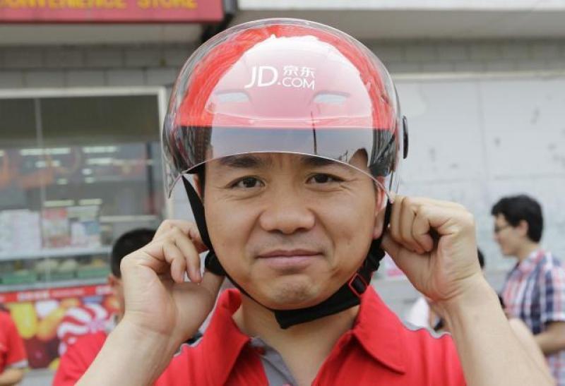 刘强东曾说干5年买房,那0001号快递员,工龄10年,现在怎么样