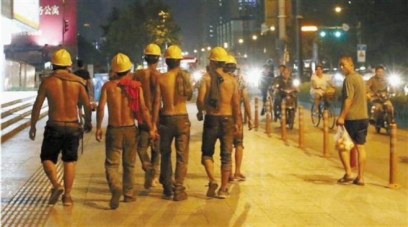 为什么中国的工厂都要上夜班,上夜班对人身体危害太大了,而且是十二
