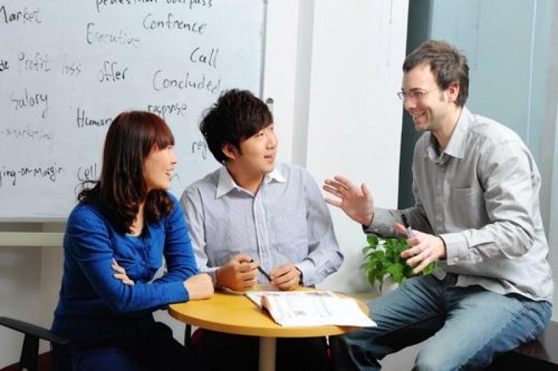 你有没有发现这个现象:  很多自认为英语不错的同学,到了国外,会