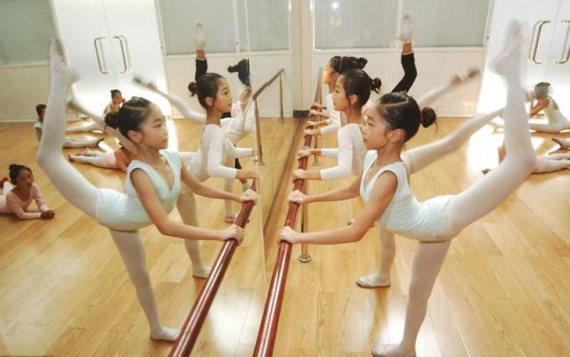 【折花载酒少年事】少儿舞蹈也是种教育,且用处还多,难怪那么多小孩在学