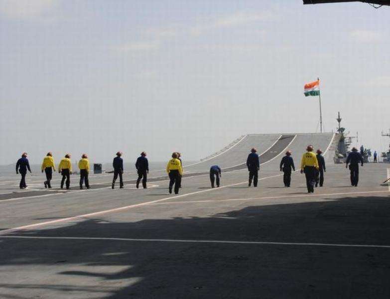 【巴黎巷尾の樱花】目标瞄准中国?印度海军计划规模扩大一倍,却遭国内同行反对