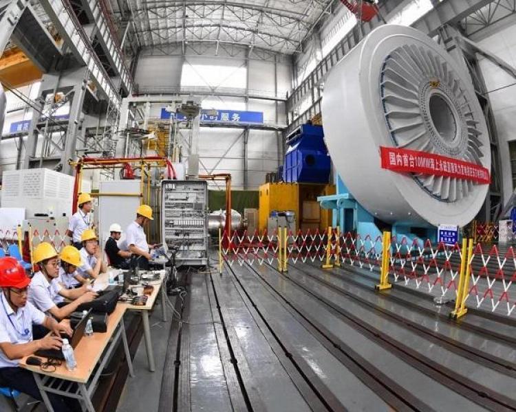 【白裙红衣的姑娘】国内首台10兆瓦海上风力发电机研制成功