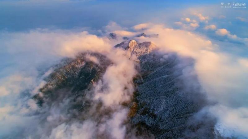 【甜软奶喘~】要知庐山真面目, 携云伴雾空中望