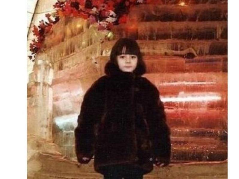 【人帅路子正】明星罕见的童年照:刘亦菲气质很仙,宋雨琦幸好长开了,鹿晗超萌