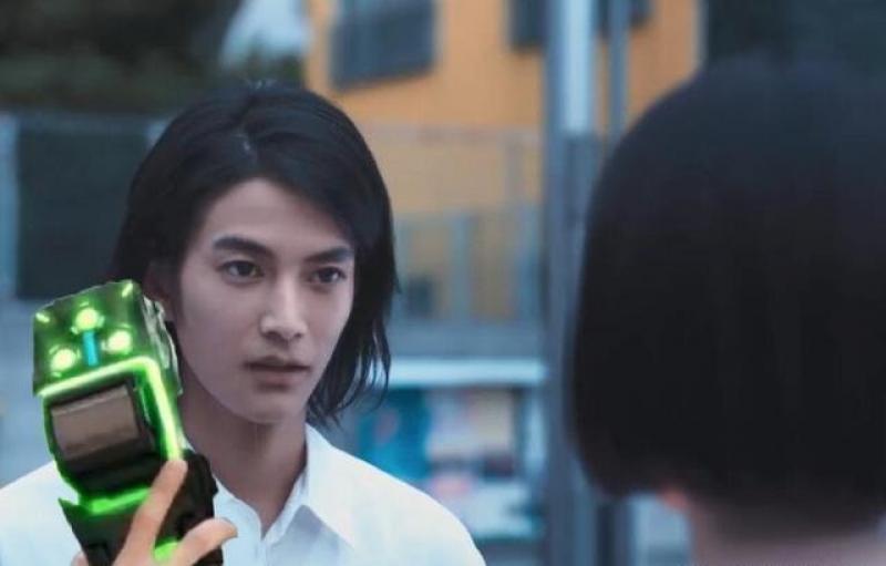 【高姿态男子】假面骑士woz演员成杰伦新歌MV男主 庆贺吧这是骑士粉的狂欢和胜