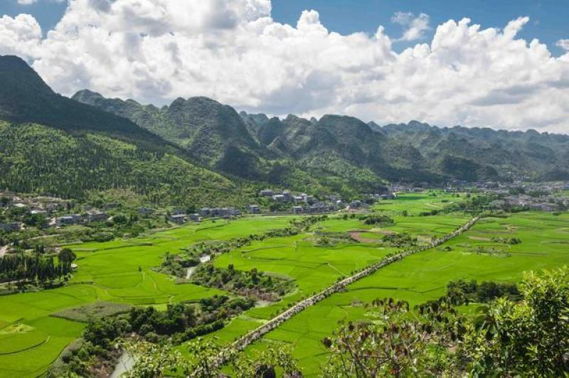 """我国""""最美峰林""""原来藏在贵州,一年四季都适合旅游,风景超原始"""