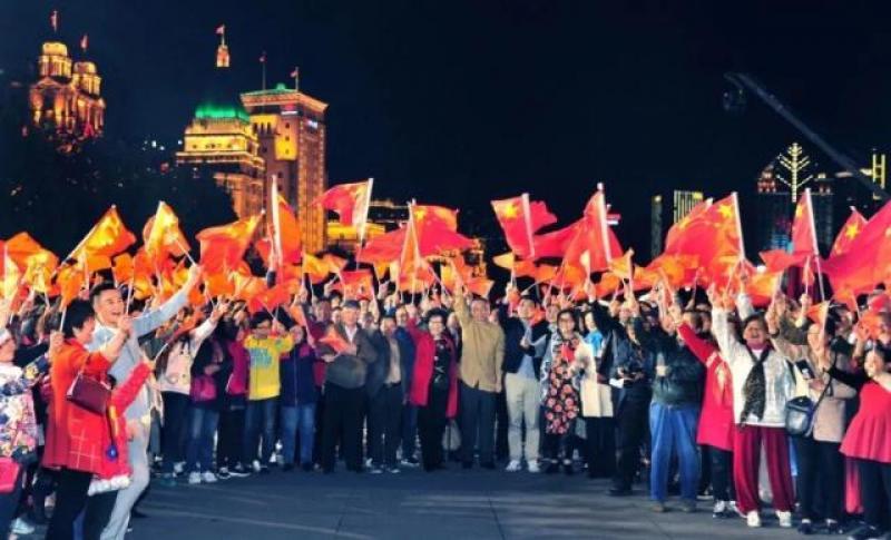 上海16区唱响《我和我的祖国》,这部快闪合集在此