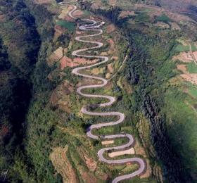中国最独特的一条公路,本打算节约投资,却成世界公路史上的奇迹