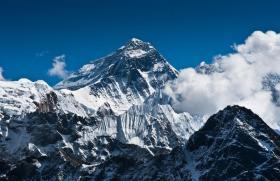【鲜花予美人相配】给自己制定一个目标,登山就要登上珠穆朗玛峰,一组震撼珠峰美景