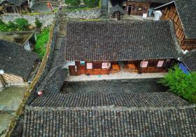 洪渡河畔仡佬族历史文化深髓,淌洋深巷700年古寨美景传承千年