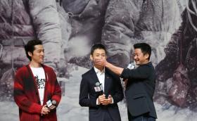 《攀登者》最后一站宣传!胡歌、吴京、张译亮相北京大学百年讲堂