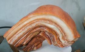 这些洗得干干净净的猪肉,您准备炒还是炖呢?网友说可看不可以吃