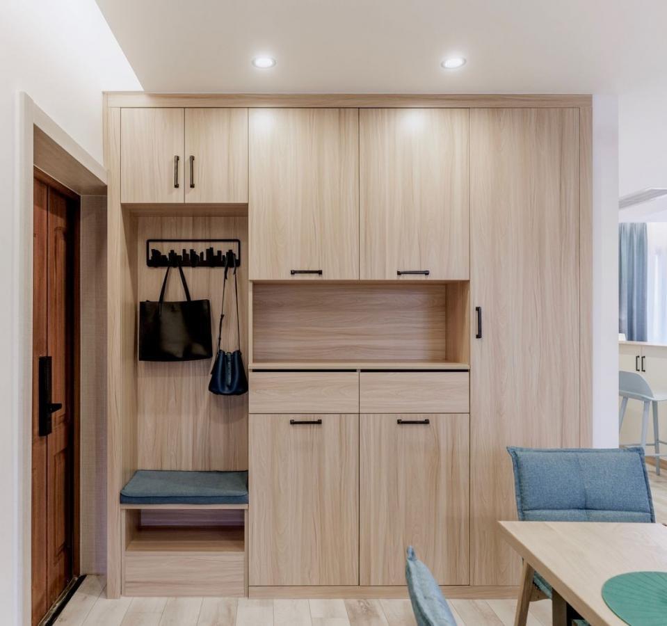 135平米三居室开放式格局的彩色住宅