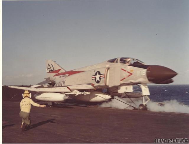 """1961年美国海军接收第一批F-4""""鬼怪II""""冷战经典战机终于登"""