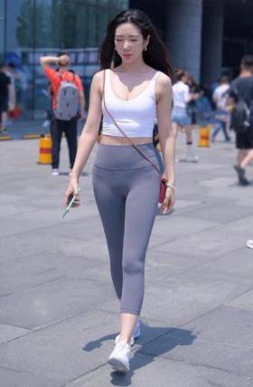 【半城柳色半声笛】健身裤也不知道是从什么时候流行起来的