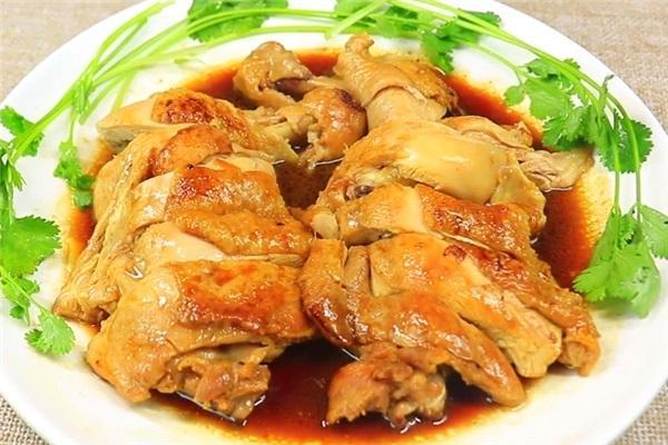 教你鸡腿新吃法,淋上酱油上锅蒸,肉质鲜嫩酱香不油腻