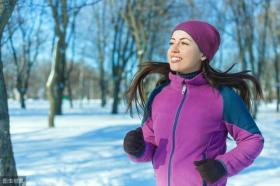【想待在角落】冬季跑步穿什么?冬季跑步装备指南