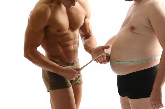 不要急着练腹肌!瘦肚子有两个步骤:学会这4个动作,铲平肥肉
