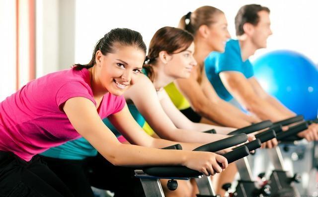 50岁后,若你还能做好这三项运动,说明身体还很棒