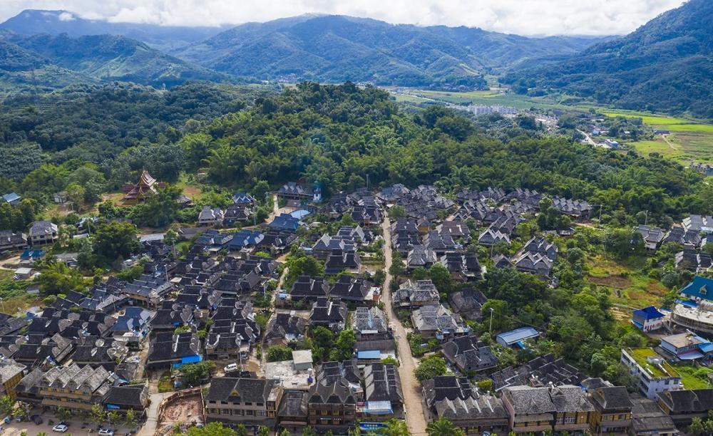 云南这座小村落,傣式竹楼像搭积木,许多人想辞职留在这里