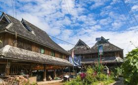 【污界萌仙女】云南这座小村落,傣式竹楼像搭积木,许多人想辞职留在这里