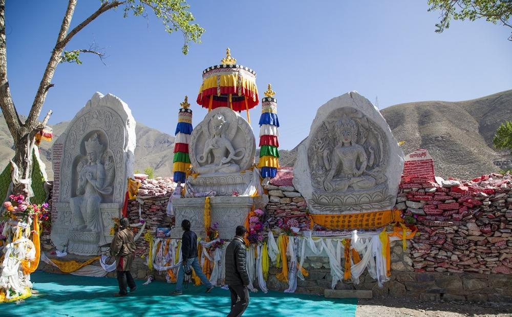 青海玉树最伟大的壮举,藏族人民用三百年,堆积了一处世界之最