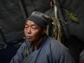 【高姿态男子】蒙古北部深山里鲜为人知的驯鹿人,照片里的他们坚毅而淳朴,很美