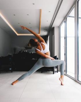 【柠檬树上的少女】去练练瑜伽,你就会知道你喜欢什么运动了