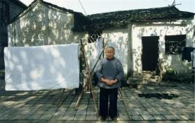 """上世纪70-80年代,法国摄影师镜头下的""""中国本色"""""""