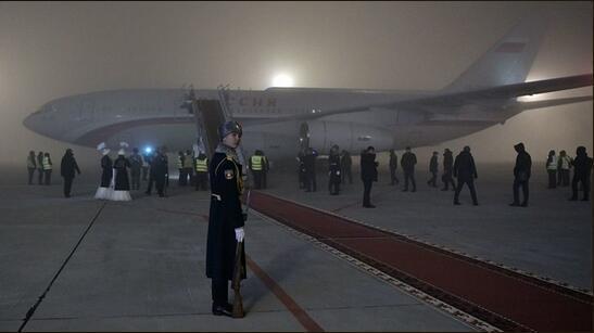 """【流年似海】大雾天""""盲降""""机场,普京专机飞行员:飞行员要专业,机上设备也得好"""