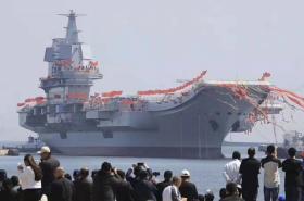 【抬头√那曙光】下午4时,山东舰正式入列中国海军,成为世界第三个双航母国家