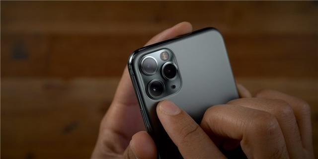 【乱山深处水萦回】传下一代iPhone将支持传感器位移式防抖