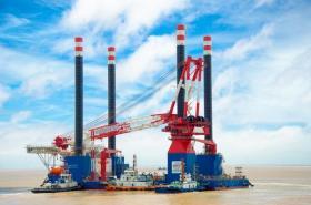 【薰衣草的味道】国内首艘1300吨自升自航式风电安装船交付使用