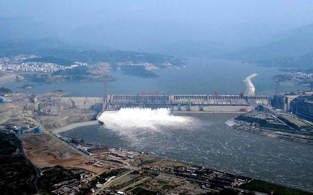 又一世界之最!横跨大渡河,这座大坝每年可减少700万吨二氧化碳