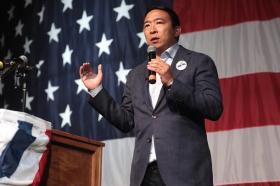 【男人不拽要俊逸】美国总统选举民主党内第六次辩论结束,杨安泽成大赢家,又增粉了