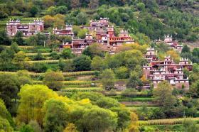 【疯的一本正经】它是四川丹巴县最具特色的旅游景区,有独特的建筑风格,值得一览
