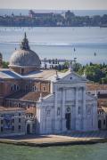 图为威尼斯大哉圣乔治教堂。威尼斯有很多著名的教堂,不知道这次水淹威尼斯后,这些教堂建筑是否会受影响。