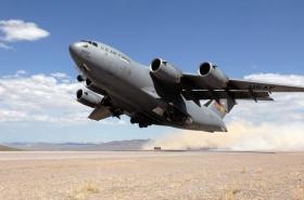 【柠檬不甜但很酸】美军打响第一枪,21架大型运输机跨洋增兵不断,克宫:伊朗危险了