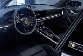 【拿把雨傘裝蘑菇】保时捷911特别版官图发布 致敬传奇车手