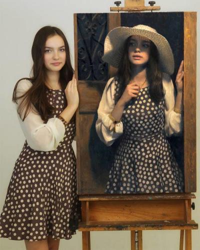 【冷风谷离殇】模特儿和画像同框 这波操作太惊艳了!