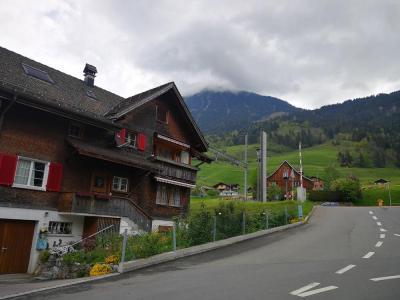【紫色的彩虹】瑞士最美小镇——龙疆!建议去瑞士的朋友,把龙疆加入行程。 一个美