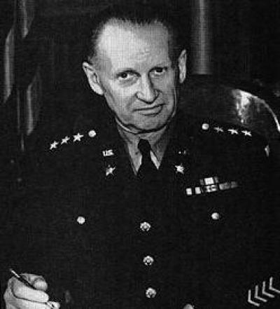 擅长隐蔽和伪装的将军,虽身经百战,却惨遭己方的飞机轰炸而死