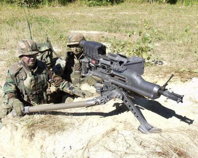 人体割裂机!短小但我很强悍,XM307自动榴弹发射器