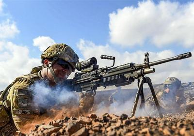 【蜜心萝莉酱】军事丨美军发现M249使用久了,存在一些严重的问题