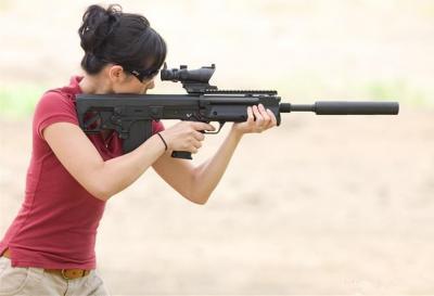 军事丨这是一种采用前抛壳的,无托结构半自动步枪