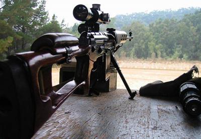 【姑娘拽天下】军事丨国产79/85式狙击步枪,燕尾槽是致命的缺点