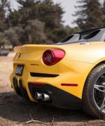"Ferrari F60,Ferrari于2014年10月曾推出一部以F12 Berlinetta为基础打造的车款""F60 America"",可以说是F12 Berlinetta的敞篷版,并采取限量10部的方式销售。F60 America仍配置与F12 Berlinetta相同的6.2升V12引擎搭配七速双离合器变速箱,可输出最大730hp以及70.3kg·m的实力,花同样3.1秒的时间完成0-10"